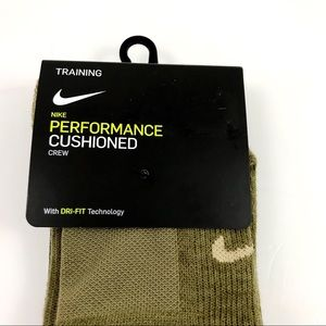 Nike Other - Nike Special Training Crew Socks Men 6-8/Wmn 6-10